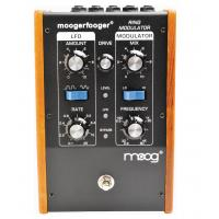Photo MOOG MF-102 MODULATEUR EN ANNEAUX