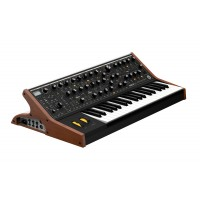 Photo MOOG SUB 37 TRIBUTE EDITION