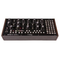 Photo MOOG MOTHER 32
